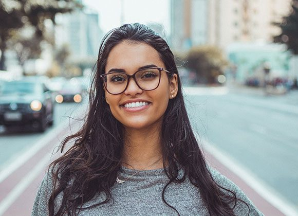 Flash Those Pearly Whites: 7 Great Reasons To Choose Invisalign Invisible Braces